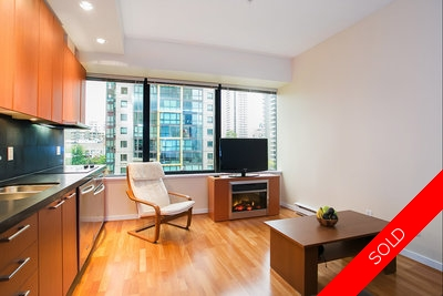 Coal Harbour Apartment for sale: The Qube Studio 420 sq.ft. (Listed 2013-05-28)